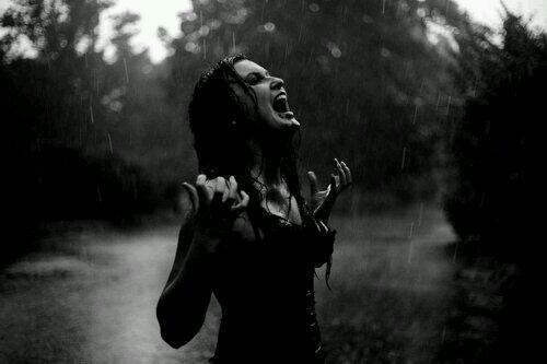 black-and-white-girl-rain-scream-favim-com-2024346